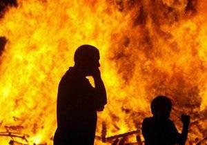 СМИ: Пострадавшие из-за пожара в центре Киева до сих пор не получили помощь от властей