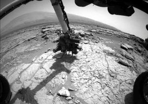 Марсоход Кьюриосити получил первые образцы вещества из пробуренного камня