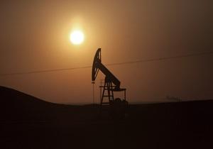 Растущее напряжение вокруг Сирии держит цены на нефть вблизи пятимесячных максимумов