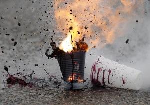 В Керчи неизвестный напал на милиционера, когда тот обнаружил самодельную бомбу на остановке