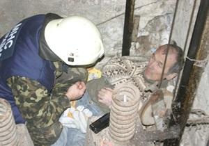 В Полтаве пострадал мужчина, попавший в шахту лифта