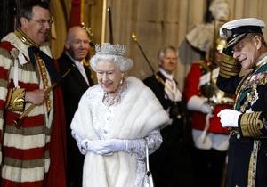 СМИ Британии: Елизавета II готовится передать полномочия принцу Чарльзу