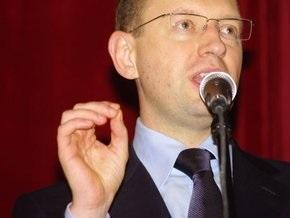 Яценюк уверен, что встретится с Януковичем во втором туре выборов президента