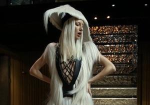 Фотогалерея: Одежда из волос. Показ Charlie Le Mindu на MBKFD