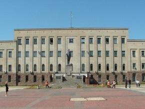 Под зданием Кировоградской ОГА собрался пикет против новоназначенного губернатора
