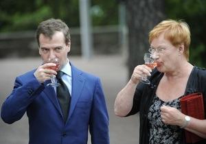 Медведев передал президенту Финляндии привет от Валентины и Владимира из Санкт-Петербурга