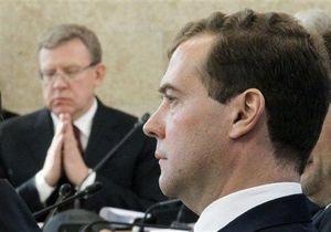 Медведев продолжил полемику с Кудриным: Повышение расходов изменило боевой дух армии РФ