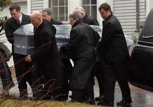 Новости Великобритании - странные новости: Британцы могут нанят на похороны профессиональных плакальщиков