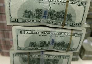 Первые в этом году торги на межбанке открылись падением гривны