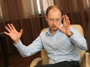 Яценюк заявил, что приложит все усилия, чтобы избавиться от Ратушняка и Лозинского