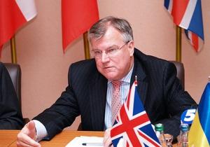 Посол Великобритании хочет сыграть с украинской музыкальной группой