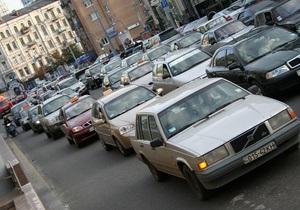 На 12 улицах в центре Киева введут одностороннее движение