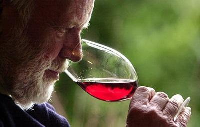 Резиденция премьер-министра Франции выставит на аукцион коллекцию вин