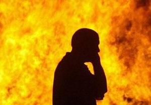 Во Львове под стенами облгосадминистрации мужчина предпринял попытку самосожжения