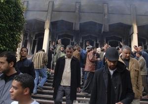 В Триполи верные Каддафи силовики открыли огонь по демонстрантам