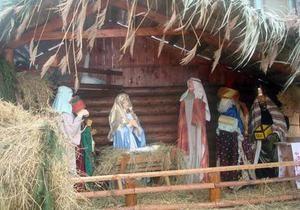 В Тернополе установили самый большой в Украине рождественский хлев