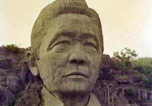 Исправить ошибки прошлого: жертвам филиппинского диктатора выплатят компенсации с его счета
