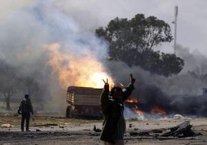Двадцать украинцев просят помочь им выбраться из Ливии