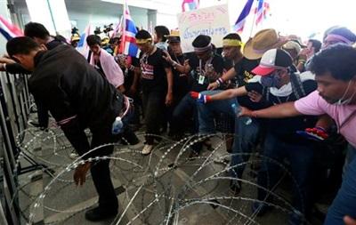 В Таиланде оппозиция захватила государственное телевидение