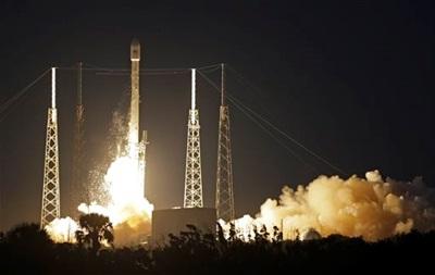 SpaceX впервые вывела на орбиту коммерческий спутник