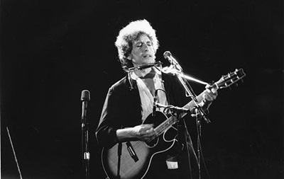 Гитару Боба Дилана продали за рекордную сумму