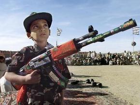 Британия будет платить афганцам за борьбу с талибами