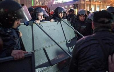 Офис Батькивщины взят штурмом, милиция заняла лагерь митингующих в Киеве - DW