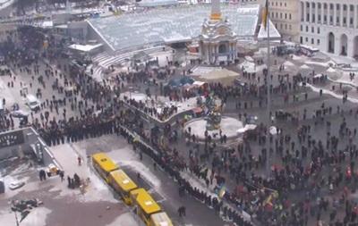 Азаров: Никакого применения силы против демонстрантов не будет - идет расчистка дорог