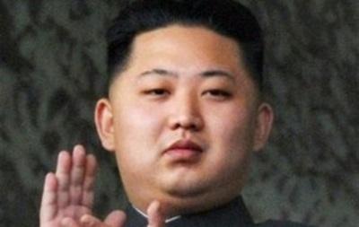 Ким Чен Ун впервые после казни дяди появился на публике