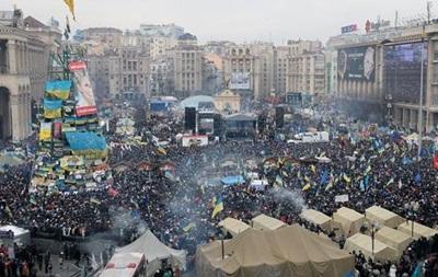 Митингующие ожидали разгона Майдана в ночь на вторник, а оппозиция объявила собрание Народного вече
