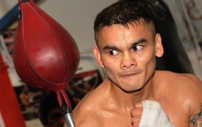 Чемпиона мира по боксу обвиняют в приеме таблетки во время боя