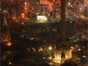 Митингующих на Евромайдане поздравляли Святой Николай и  Ангел