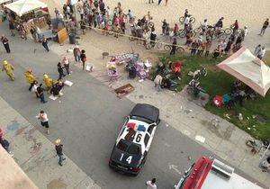 Инцидент в Калифорнии: водитель наблюдал за толпой, прежде чем въехать в нее