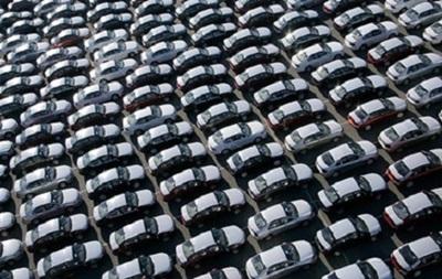 Импорт автомобилей в Украину вырос почти вдвое