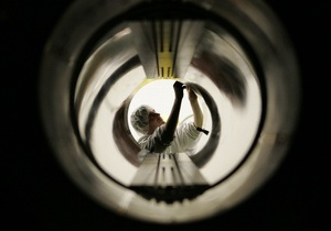 Адронный коллайдер может послужить машиной времени
