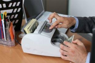 Кабмин выделил 254 миллиона гривен на зарплату бюджетникам Киева