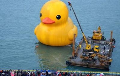 На Тайване взорвалась гигантская надувная утка