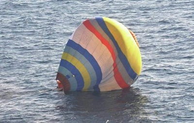 Китаец, попытавшийся попасть на спорные острова на воздушном шаре, свалился в море