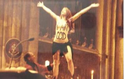 После акции Femen в Кельнском соборе к ответственности могут привлечь журналистов