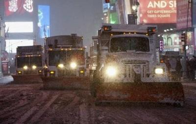 Снег вызвал транспортный хаос на восточном побережье США