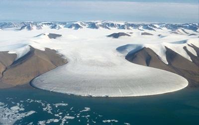 Под Гренландией ученые обнаружили водохранилище с запасом воды около 140 млрд тонн