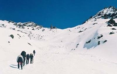 Спасатели разыскивают двух украинских туристов, сорвавшихся с Эльбруса
