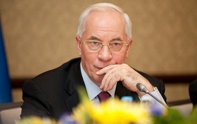 Депозиты физлиц в гривне в 2013 году выросли на 36% - Азаров
