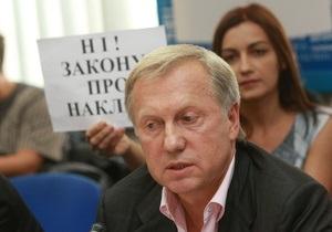 Журавский на рекордно коротком брифинге поблагодарил всех за отмену закона о клевете
