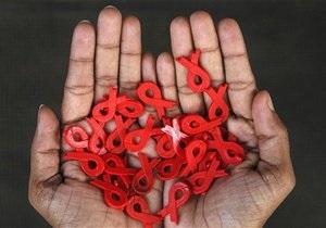 В 2012 году в Украине от СПИДа умерли почти четыре тысячи человек