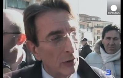 Мэр итальянского города Аквила отправился в отставку на фоне коррупционного скандала