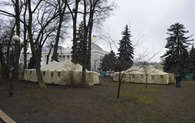 Антимайдан-2. В Мариинском парке установили шесть армейских палаток