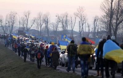 Автомайдан из Межигорья направился к дому Медведчука