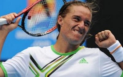 Теннис. Долгополов уверенной победой стартовал на Australian Open