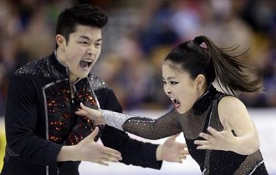 Фотогалерея. Спортивные кадры недели: Танцы с елками и страсти на льду